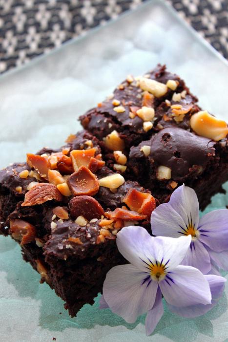 nuts-brownie3.jpg