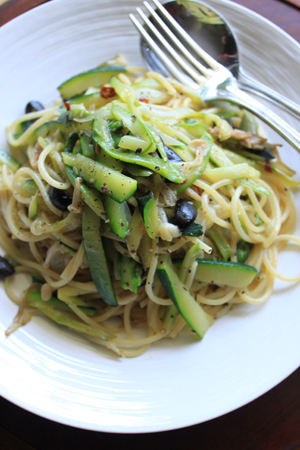 zukkini-olive pasta.jpg