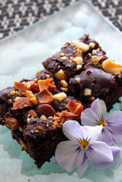 nuts-brownie3.jpg